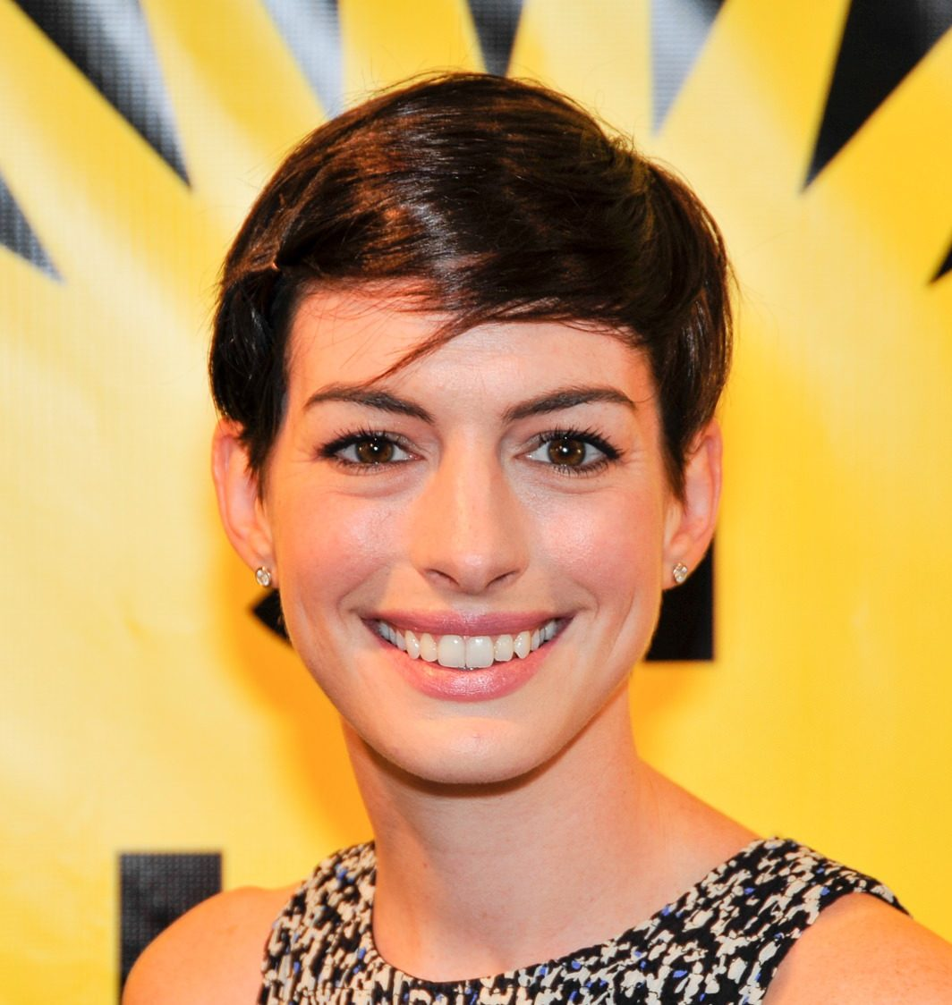Anne Hathaway Explains Hollywood's Problem