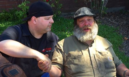 Homeless Vet Receives Help from Generous Delivery Man