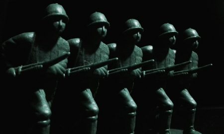 Plastic army men